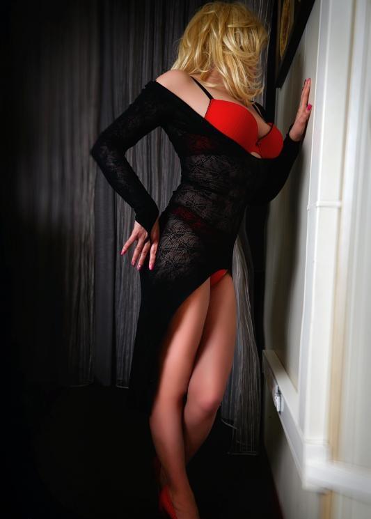 Снять проститутку индивидуалка в питере толстушки проститутки тюмень